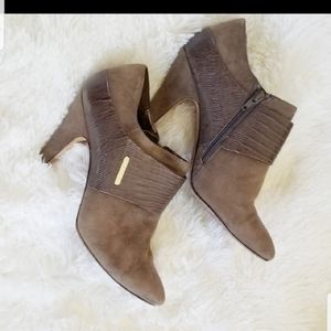 Isola Zippered Heeled Ankle Boots Womans 9.5 Brown